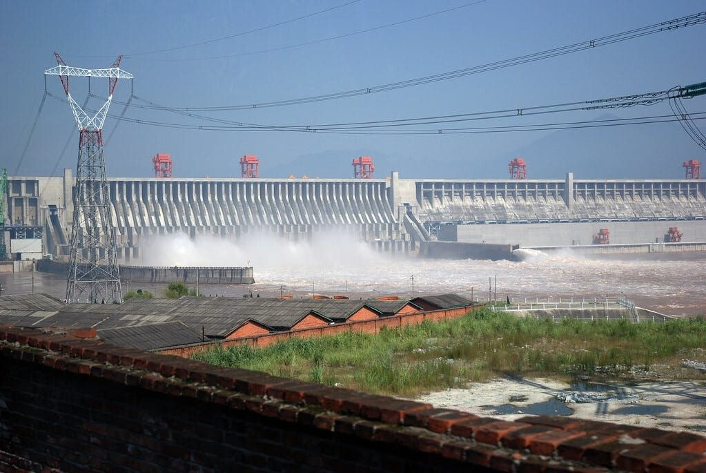 retiring ageing hydropower dams could protect people and budgets but arent they needed in the energy transition 1 - Don't forget us in coronavirus battle, say businesses in India's Dharavi slum
