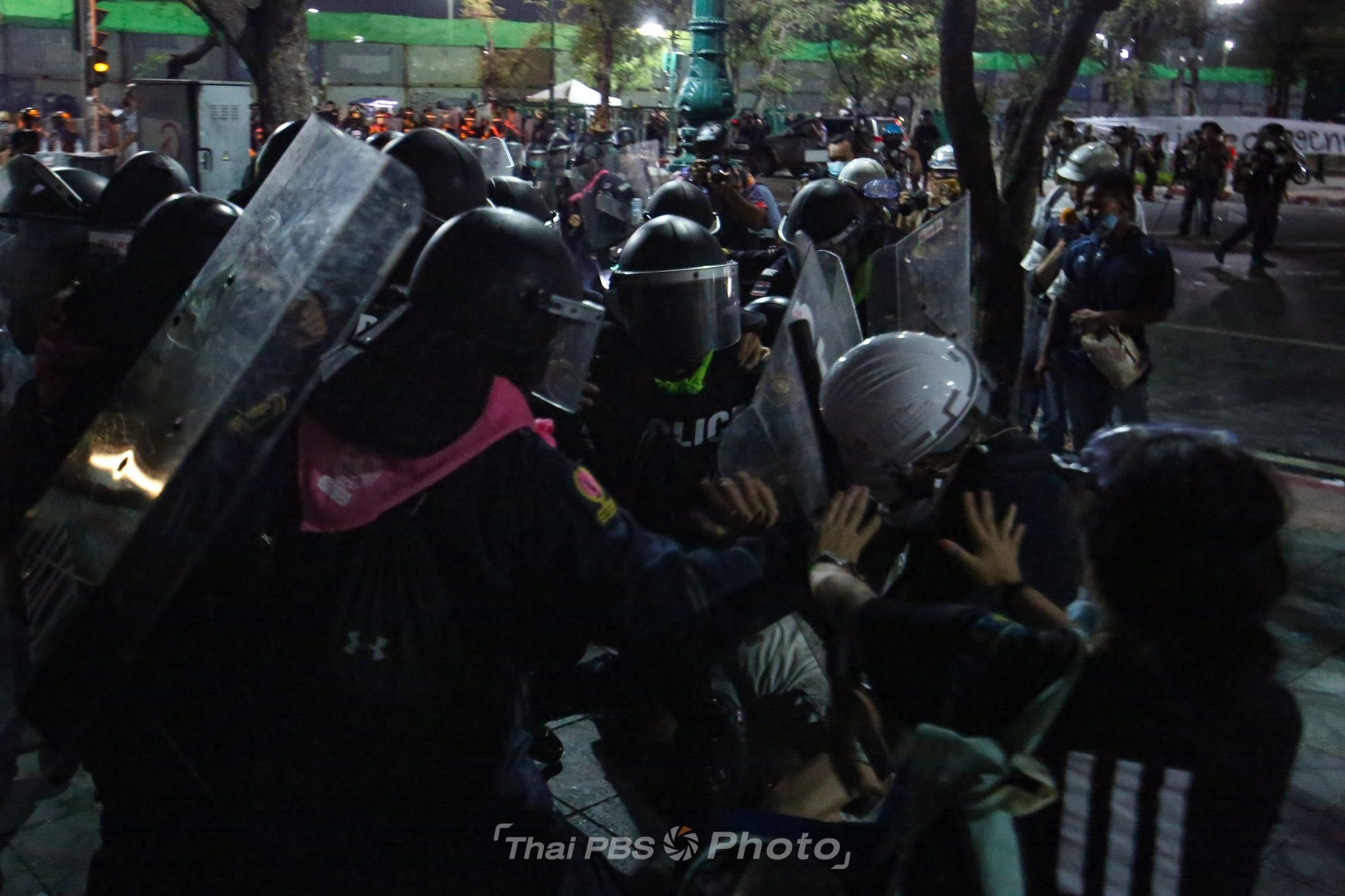 at least 32 injured in clashes 20 taken into police custody - At least 32 injured in clashes, 20 taken into police custody