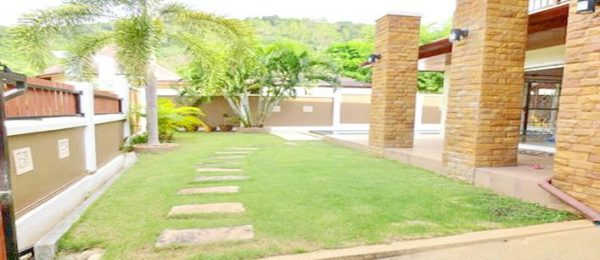 3 bedroom pool Villa for sale Chalong