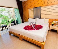 Anda Beachside Hotel is locationed at 210/2 Karon Road