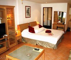 Aquarius Gay Guesthouse and Sauna is locationed at 127/10-17 Rat-U-Thit 200 Pee Road