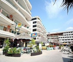 Bel Aire Patong is locationed at 59/1-3 Sainamyen Road