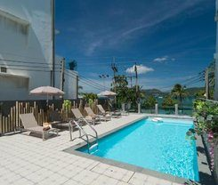 Destinaation Patong Boutique hotel by the sea is locationed at 30/8 Thaweewong Road in Patong on the island of Phuket. Amenities include: Swimming Pool