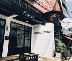 Enjoy's Beach House & Cafe' is locationed at 294 Patak Road in Karon on Phuket island in Thailand. Amenities include: Wi-Fi