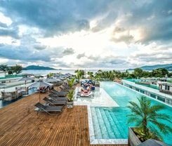 Hotel Clover Patong Phuket is locationed at 162/8-11 Taweewong Rd.