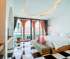 Hotel Khaleej Mass Patong is located at 201/1 Phabraramee Road on the island of Phuket