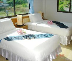 Lamai Guesthouse is locationed at 20/31-21 Sirirat Road