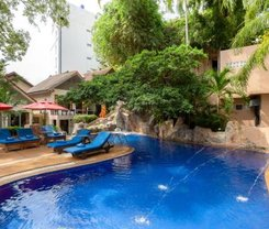 Patong Merlin Hotel is locationed at 44 Thaveewong Rd.