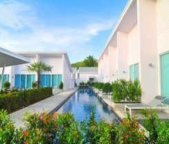 Patong Resort Hotel is locationed at 208 Raj-Uthit 200 Pee Rd.