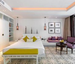 Phuket Graceland Resort and Spa is locationed at 190 Thaweewong Road
