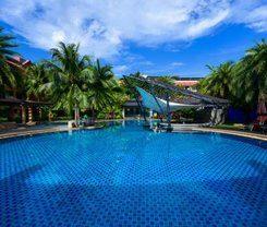 R-Mar Resort and Spa is locationed at 33 Soi Rat-U-Thid 200 Pee 1