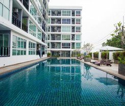 Rang Hill Residence is locationed at 24 Mae-Laun Road