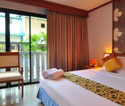 Rattana Beach Hotel is locationed at 514/1-8 Patak Road