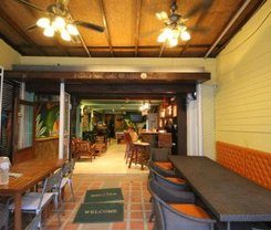 Sea Dream Patong is locationed at 14 Thaweewong Rd. Patong