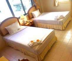 Smile Inn Patong is located at 108 Thanon Thawewong on the island of Phuket