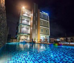 The Elysium Residence is locationed at 87/63 Moo.10 Soi Chaofa. 45 Chaofa Road T.Chalong in Chalong on Phuket island