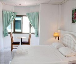 Welcome Inn Karon is locationed at Patak Rd. 526/21-22. in Karon on Phuket island. Amenities include: Bar