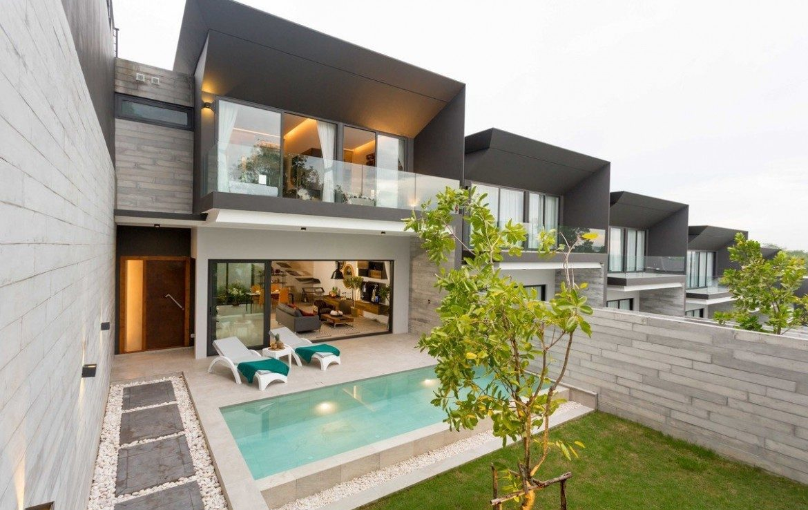 This 3 bedroom / 3 bathroom Villa for sale is located in Chalong on Phuket island, Thailand