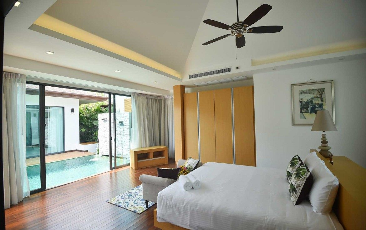 This 3 bedroom / 3 bathroom Villa for sale is located in Cherng Talay on Phuket, Thailand