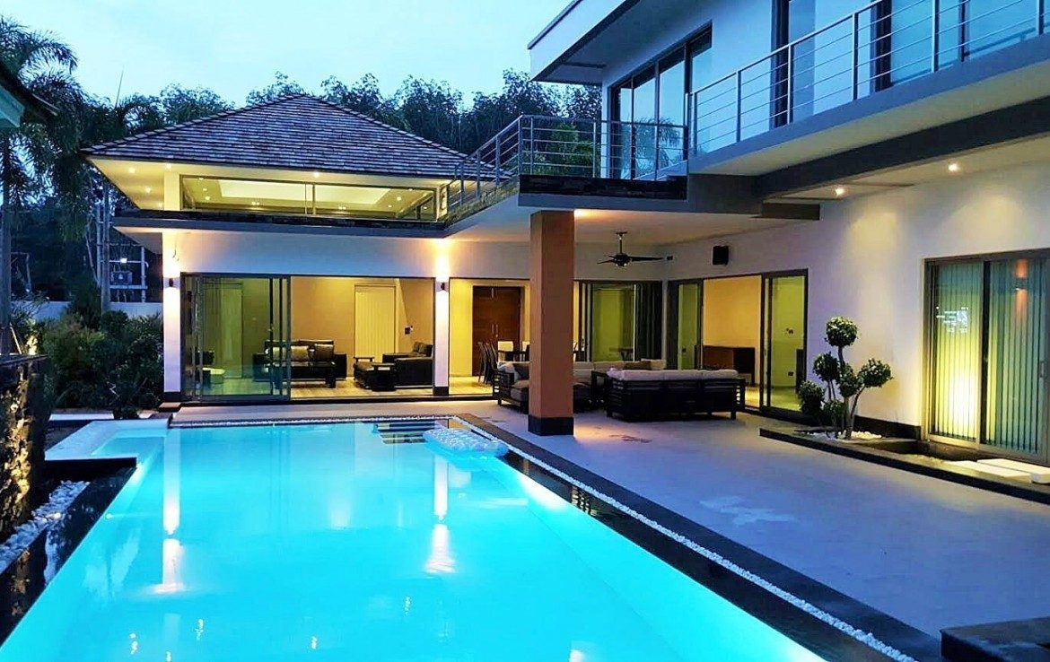 4 bedroom / 4 bathroom Villa in Cherng Talay is on the market for sale, or re-sale.