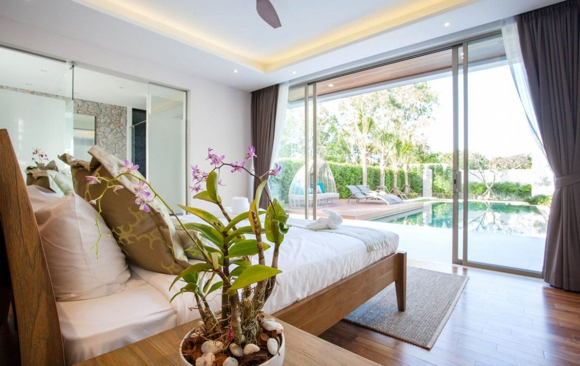 3 bedroom / 4 bathroom Villa in Layan is on the market for sale, or re-sale.
