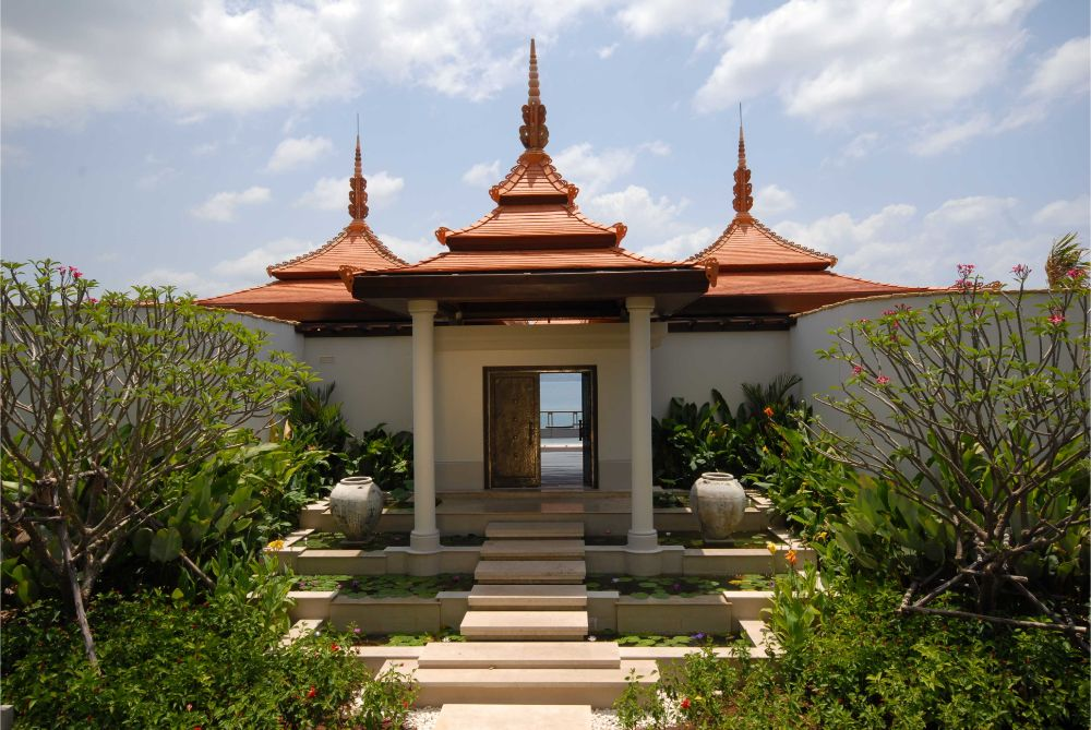 This 6 bedroom / 7 bathroom Villa for sale is located in Layan on Phuket island