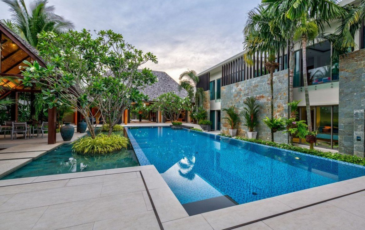 7 bedroom / 8 bathroom Villa in Layan is on the market for sale, or re-sale.