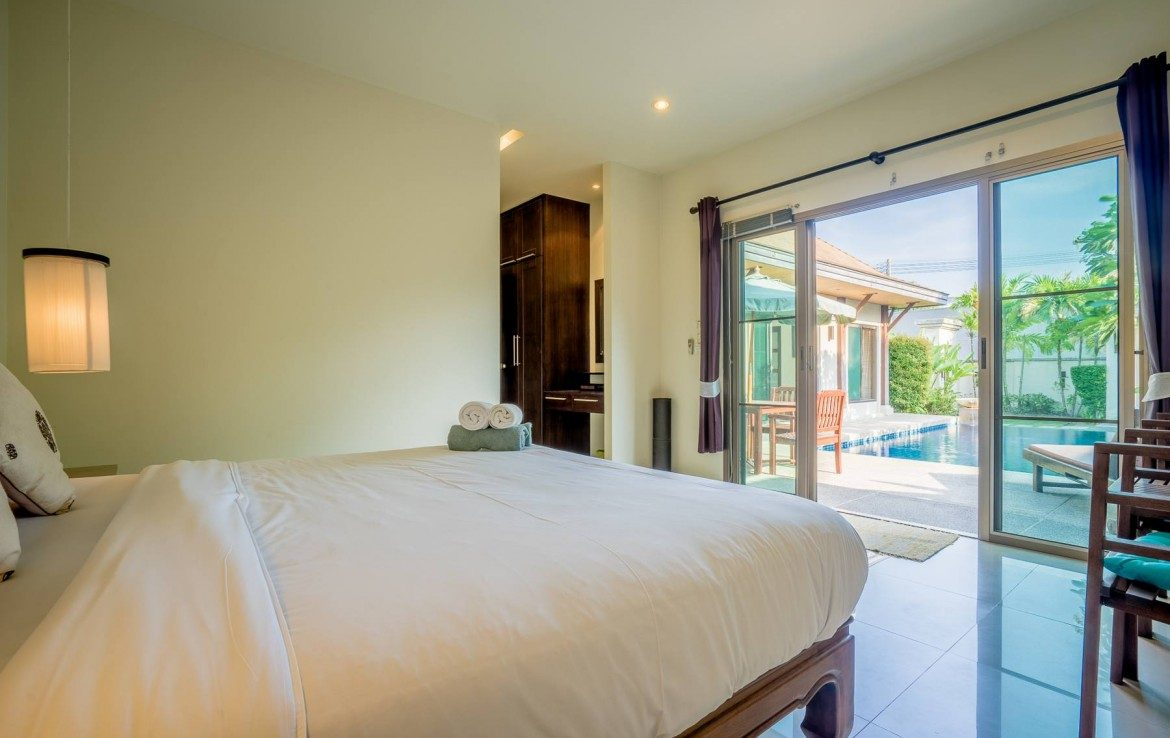 This 3 bedroom / 3 bathroom Villa for sale is located in Nai Harn on Phuket in Thailand