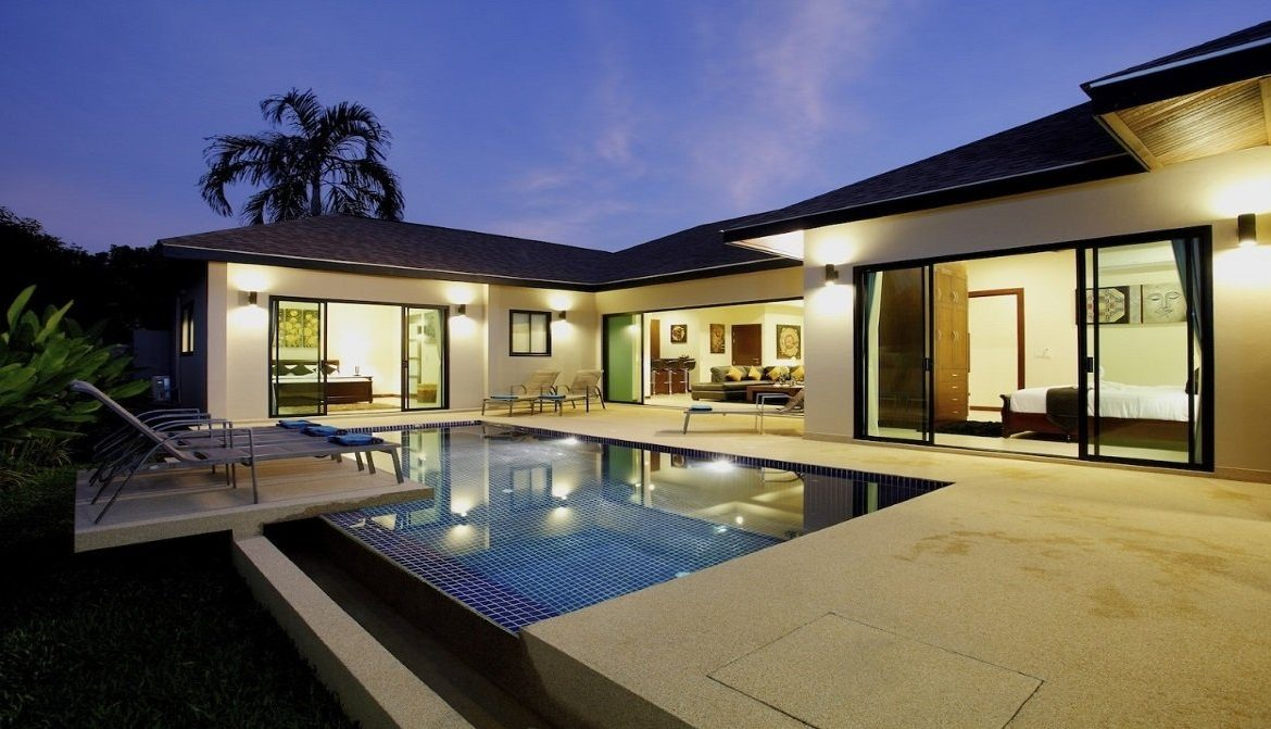 This 4 bedroom / 3 bathroom Villa for sale is located in Nai Harn on Phuket island, Thailand