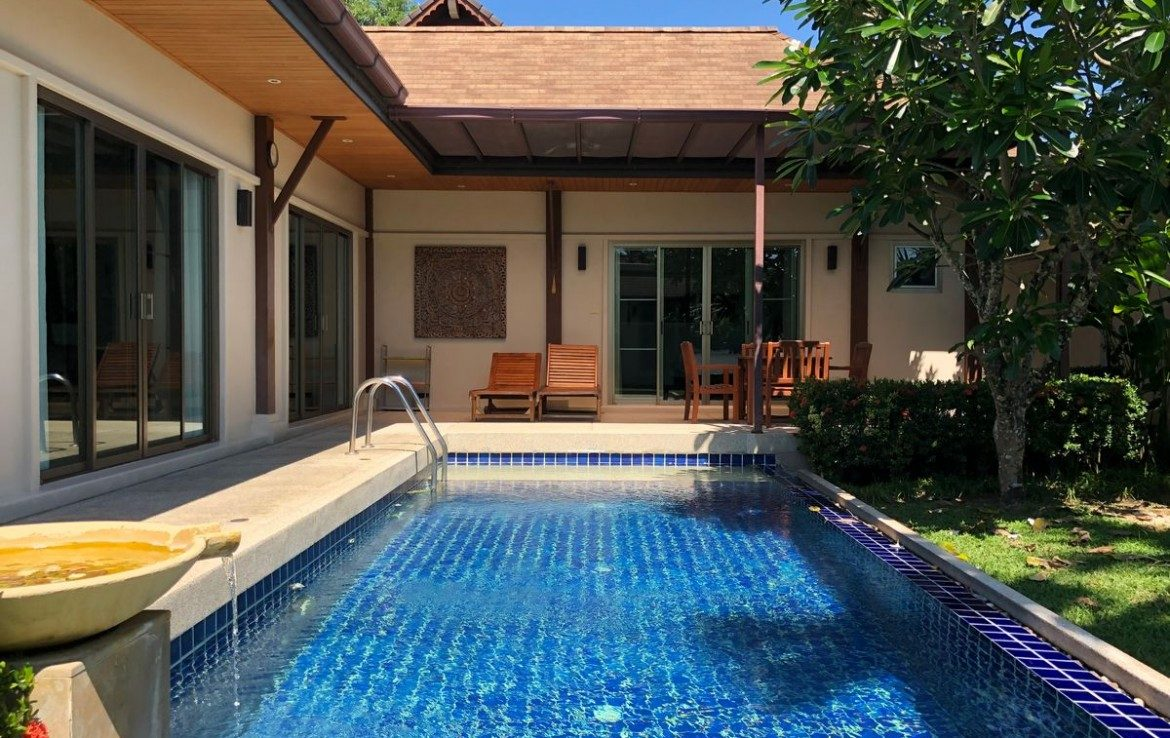 This 3 bedroom / 3 bathroom Villa for sale is located in Rawai on Phuket, Thailand