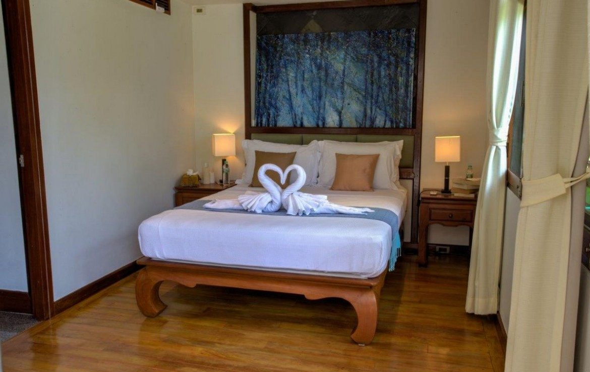 This 5 bedroom / 5 bathroom Villa for sale is located in Surin Beach on Phuket