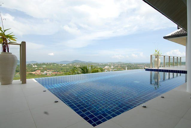 This 3 bedroom / 3 bathroom Villa for sale is located in Thalang on Phuket island, Thailand